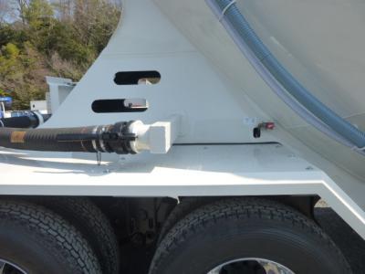 粉粒体運搬セミトレーラ バラセメント 22㎥ 未登録未使用車