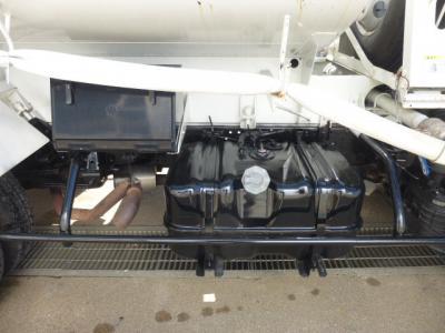 H26 いすゞ 4KL散水車 PTO式